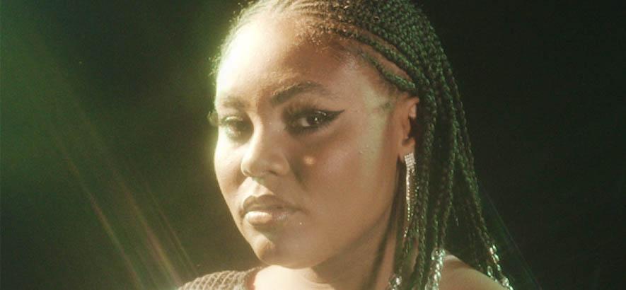 """Comin' 4 Ya"": 80s-Slow-Boogie-Vibes bei Taylor Simone Harvey"