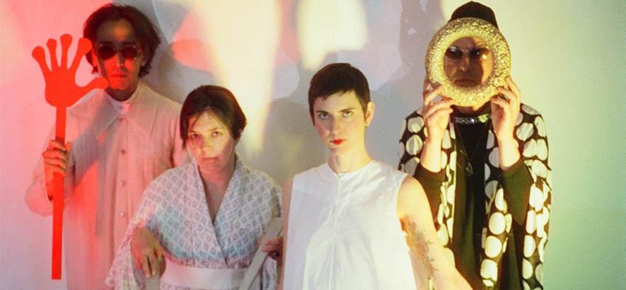 """Pressebild der Band Vanishing Twin, deren Song """"Phase One Million"""" heute unser Track des Tages ist."""