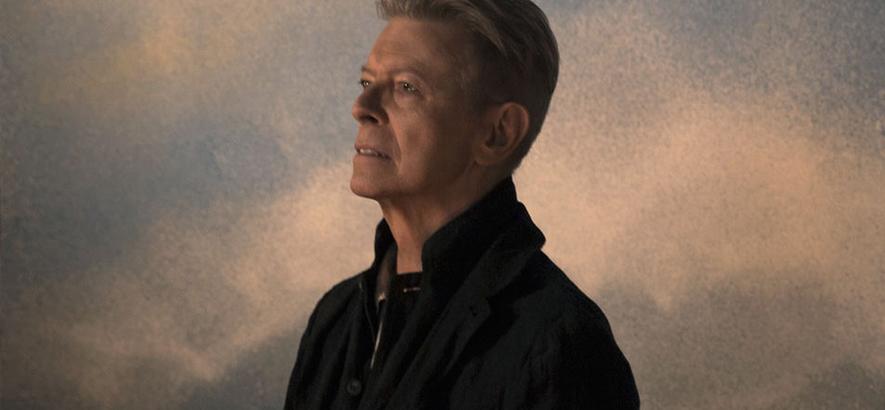 """Foto von David Bowie, dessen unveröffentlichtes Album """"Toy"""" im November 2021 erscheint."""