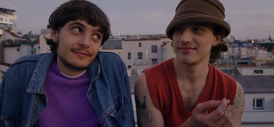 """Filmstill aus dem Musikvideo von Dives – """"Streets"""""""