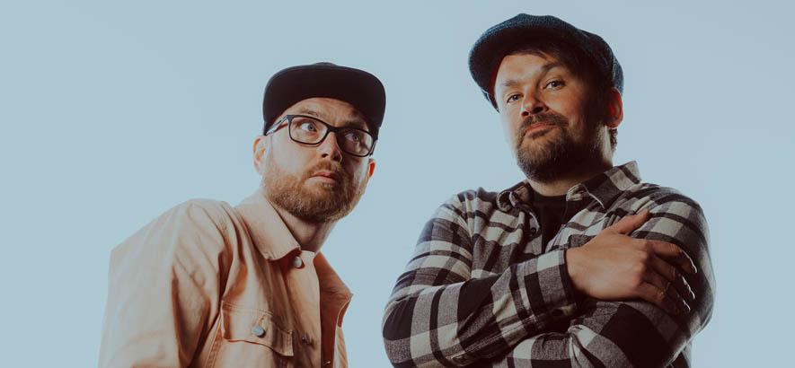 """Pressebild des Produzenten-Duos The Allergies, dessen Song """"Love Somebody"""" heute unser Track des Tages ist."""