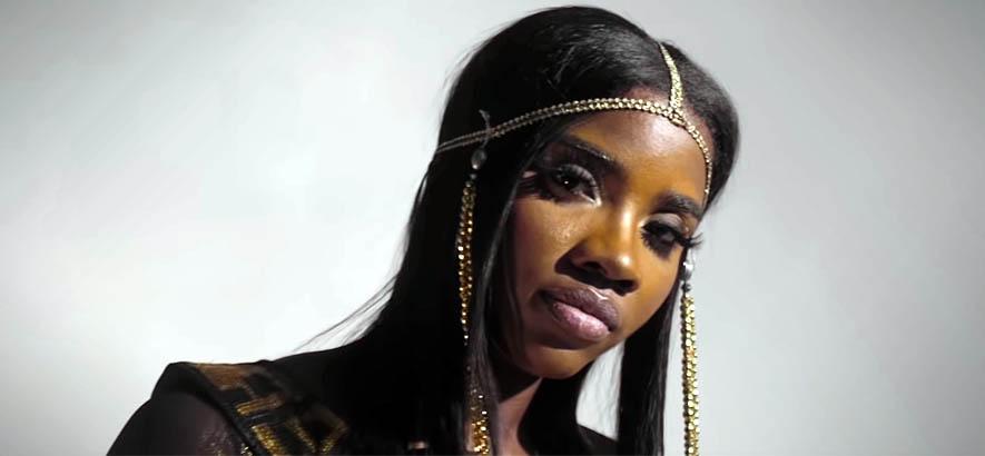 """""""Empress"""": Daphne Dash zwischen Trap und R&B"""