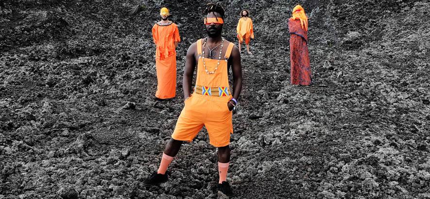"""Foto der ghanaisch-britischen Band Onipa, deren Song """"Chicken No Dey Fly"""" heute unser Track des Tages ist."""