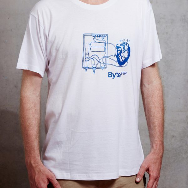 ByteFM Shop Shirt Herzmaschine/ Stoff weiss/ Print blau
